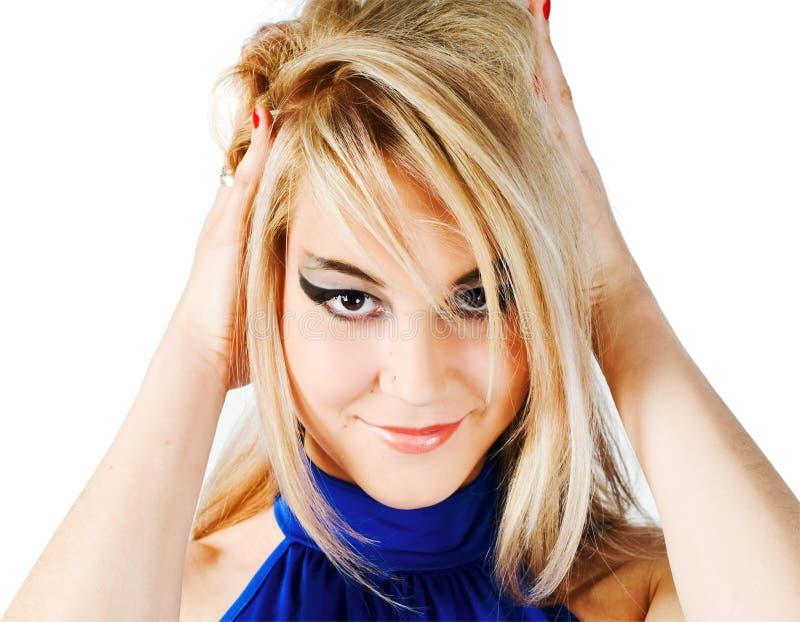 Junge schöne blonde Mädchennahaufnahme lizenzfreies stockfoto