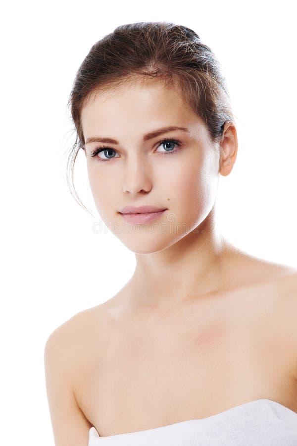 Download Junge Schöne Frau Mit Vollkommener Haut Stockbild - Bild von frisch, leute: 26367765
