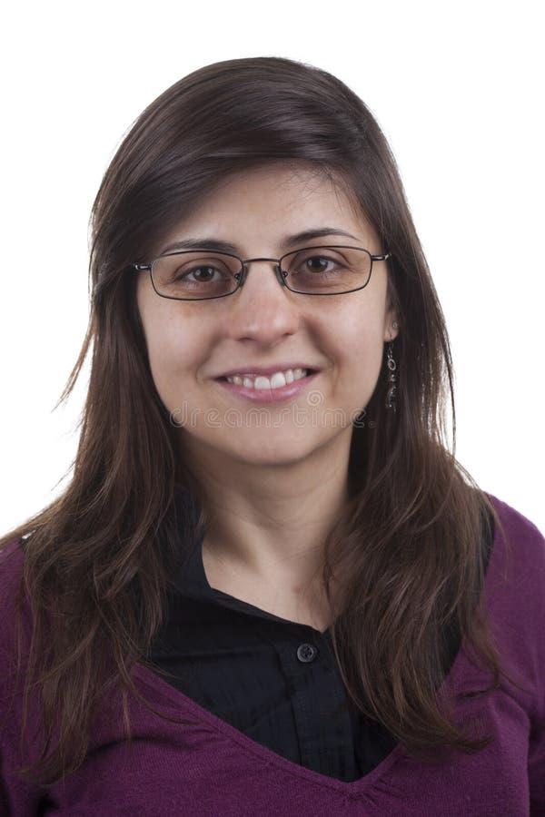 Junge schöne Geschäftsfrau mit Gläsern stockfoto