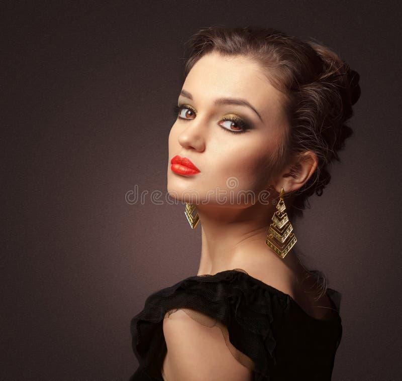 Junge Schönheit lizenzfreie stockbilder