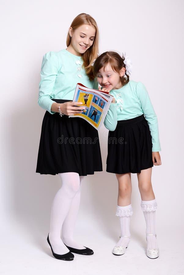Junge SchulmäDchen
