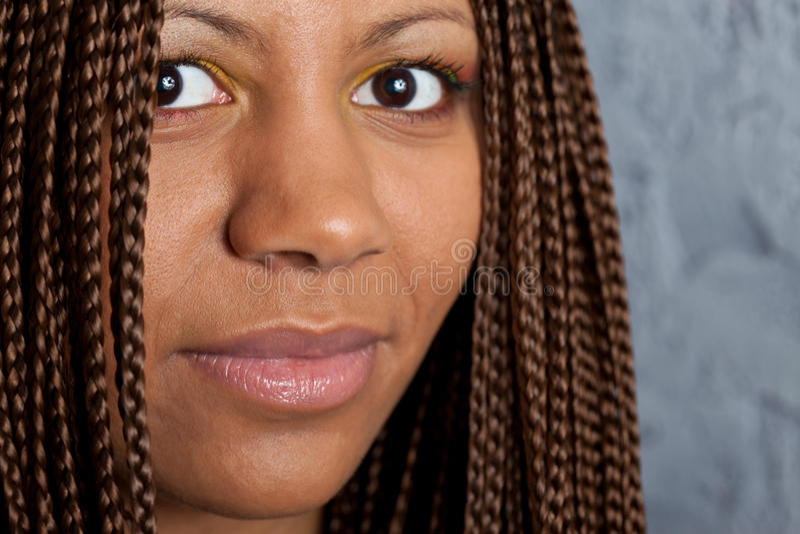 Junge schwarze Frau stockbild