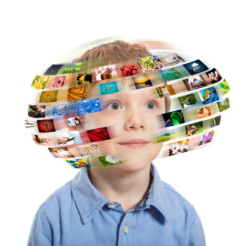Junge. Technologiekonzept. lizenzfreies stockbild