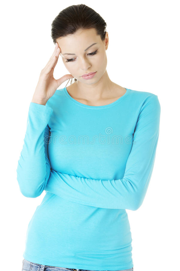 Junge traurige Frau haben großes Problem, Krise oder Kopfschmerzen lizenzfreies stockfoto