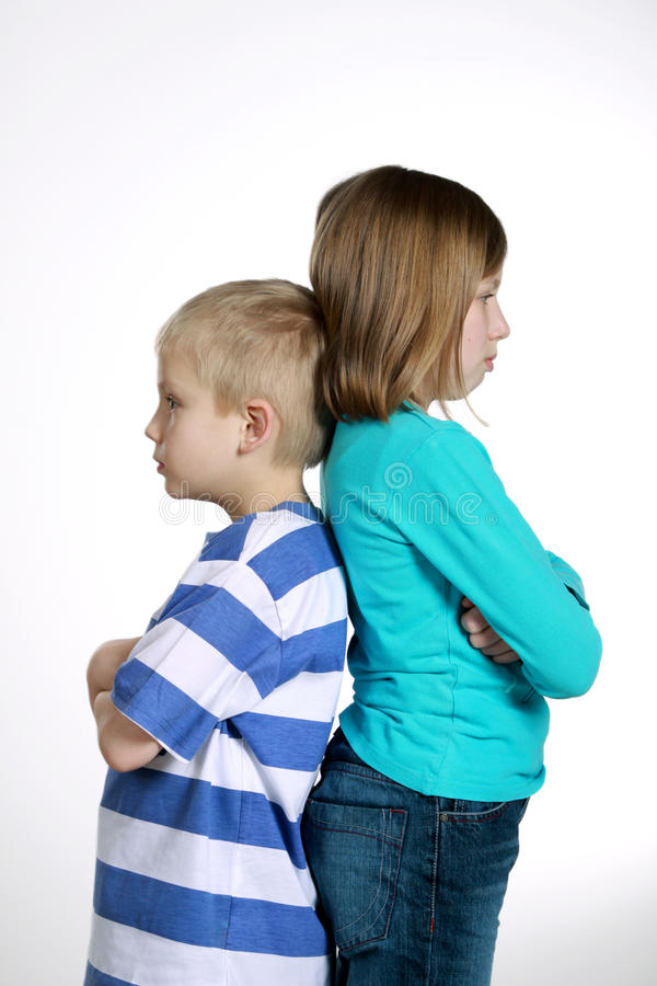 Junge Und Mädchen Nach Streit Stockbild