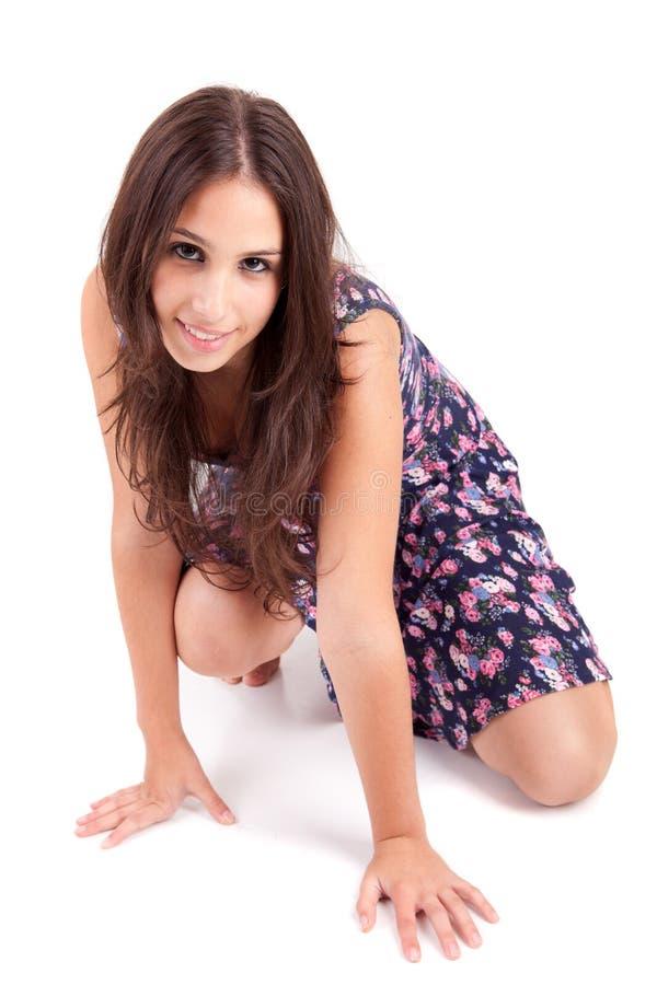 Junge und schöne Frauenaufstellung lizenzfreie stockfotos