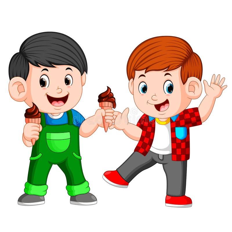 Junge zwei, der SchokoladenEiscreme im Waffelkegel isst stock abbildung