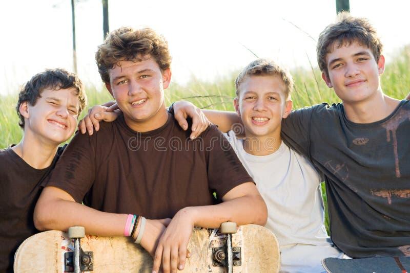 Jungengruppe stockfotografie