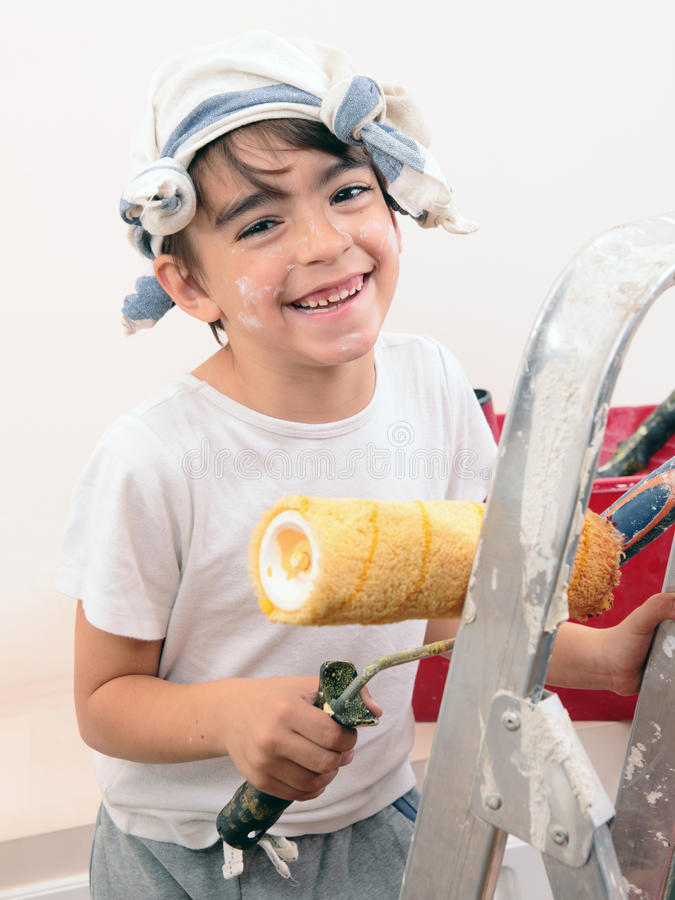 Jungenmalerei stockfotos