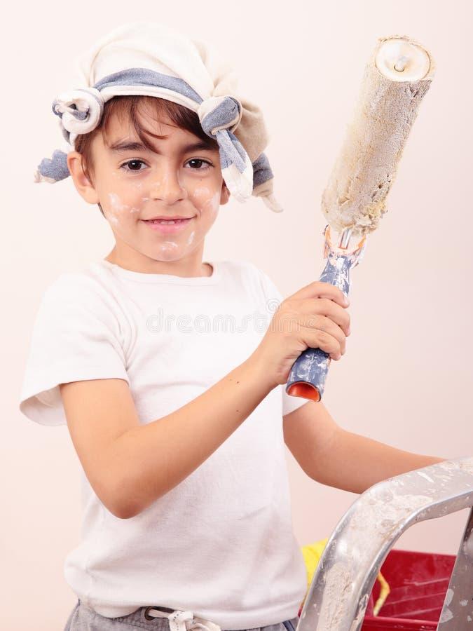 Jungenmalerei lizenzfreie stockbilder
