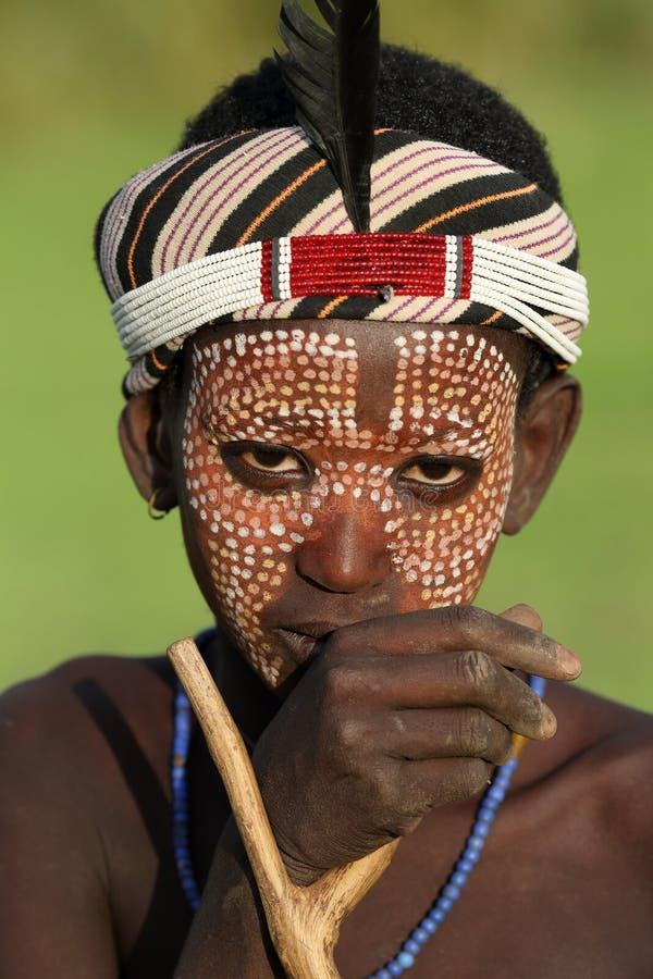 Junger Arbore-Mann in Süd-Omo, Äthiopien lizenzfreie stockbilder