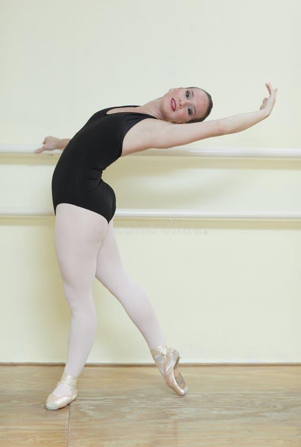 Junger Ballettkursteilnehmer stockfoto