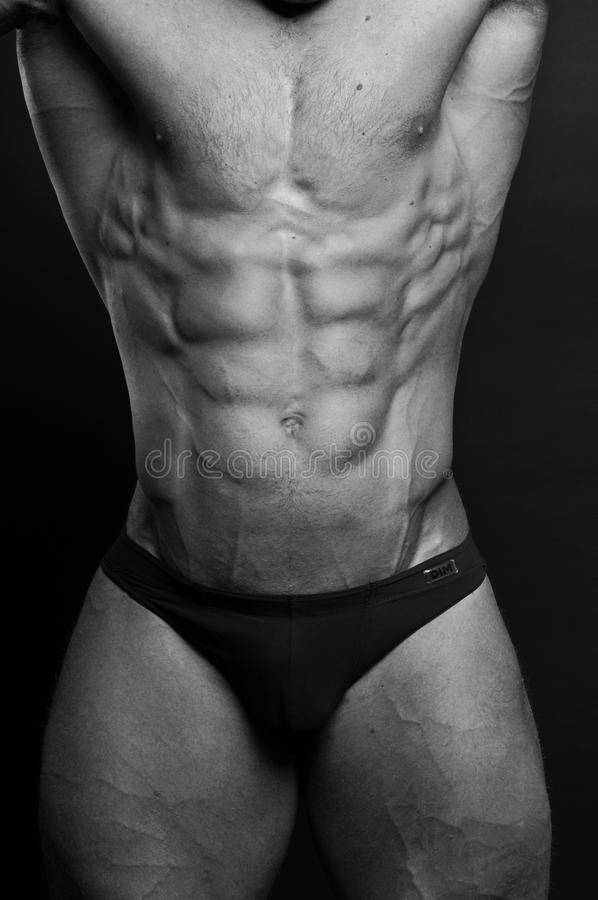 Junger Bodybuilder lizenzfreies stockbild