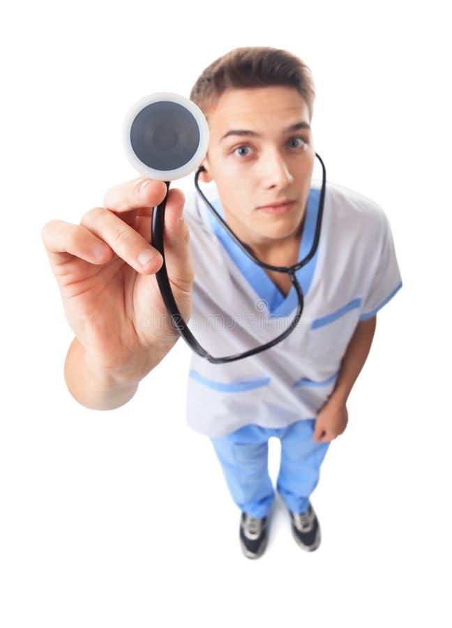 Junger Doktor mit Stethoskop lizenzfreies stockbild