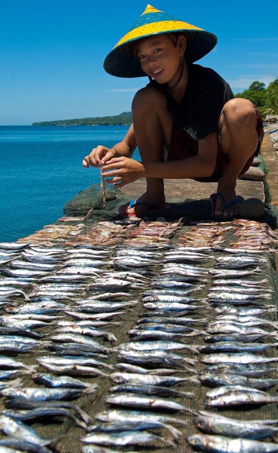 Junger Fischer, Philippinen lizenzfreies stockfoto