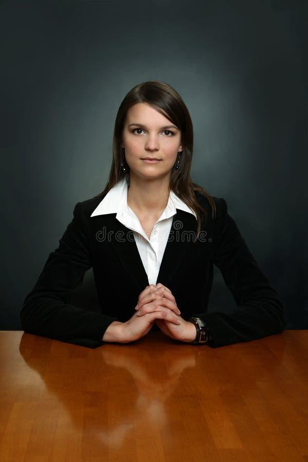 Junger Geschäftsmann lizenzfreie stockfotografie
