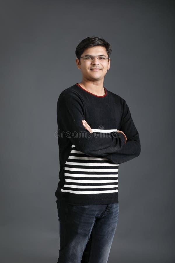 Junger indischer Mann stockfotos