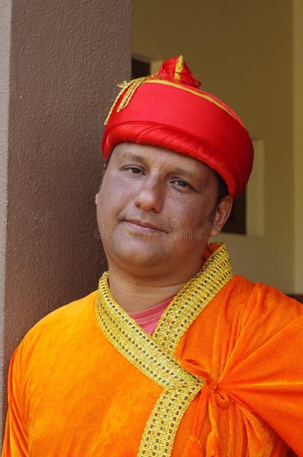 Junger indischer Mann in traditionellem dress-2 lizenzfreies stockfoto