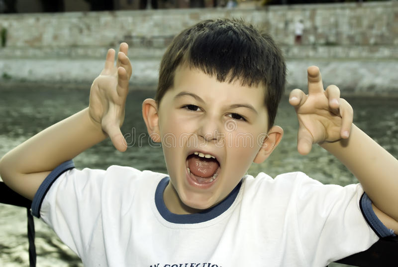 Junger Junge lizenzfreies stockfoto