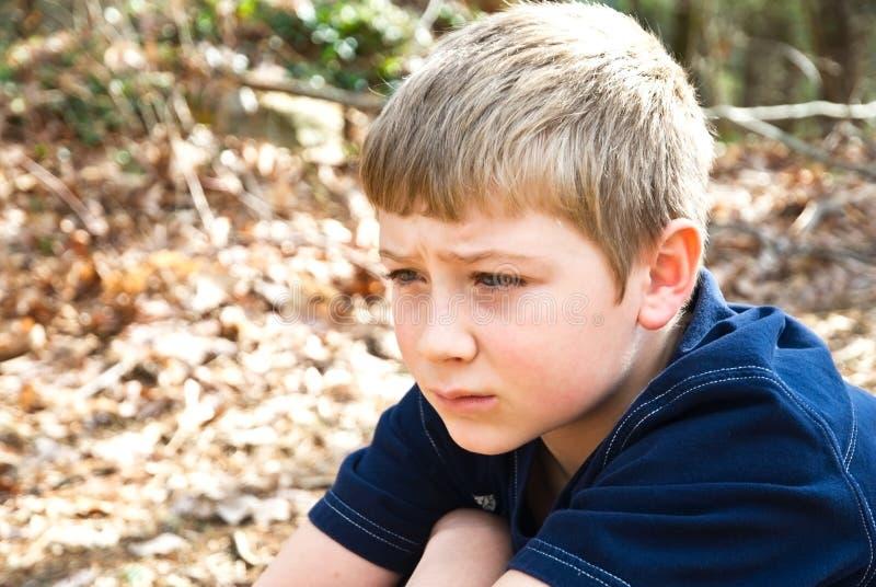 Junger Junge/Ausdruck lizenzfreie stockfotos