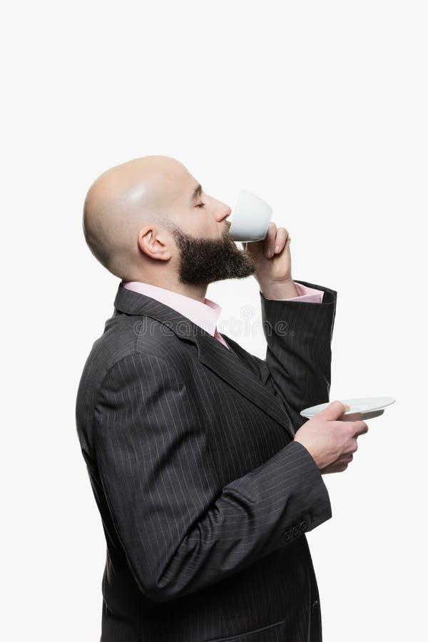 Junger kahler Mann mit einem Bart stockfotografie