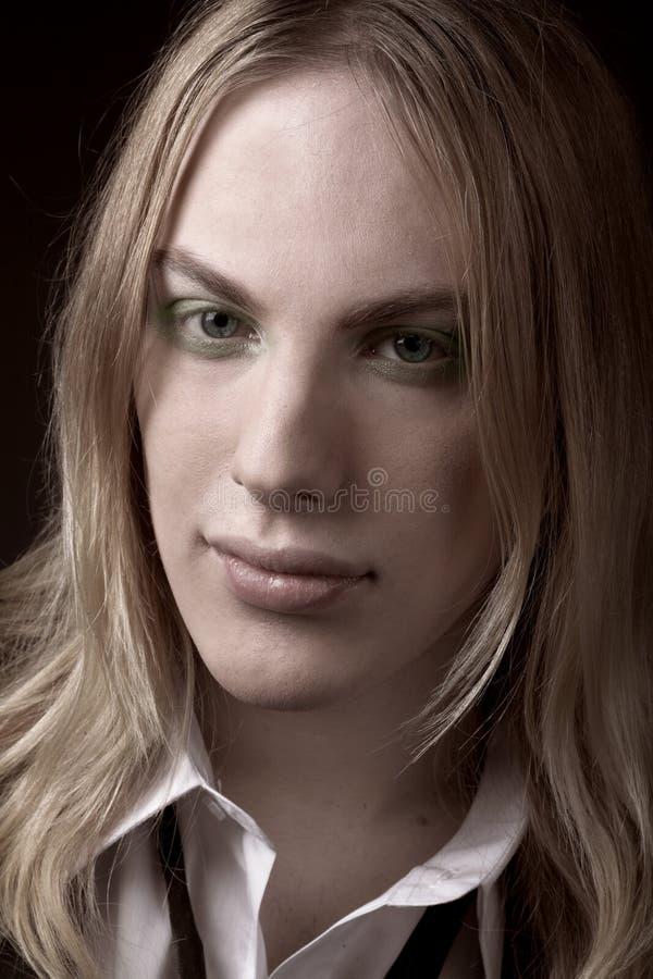 Junger Kerl mit dem blonden Haar lizenzfreies stockbild