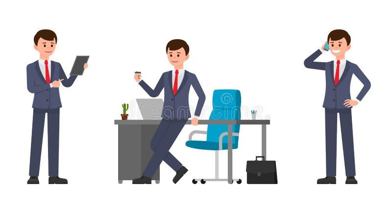 Junger Mann im dunkelblauen Anzug, der auf Schreibtisch, trinkender Kaffee, sprechend auf Smartphone, unter Verwendung der Tablet stock abbildung