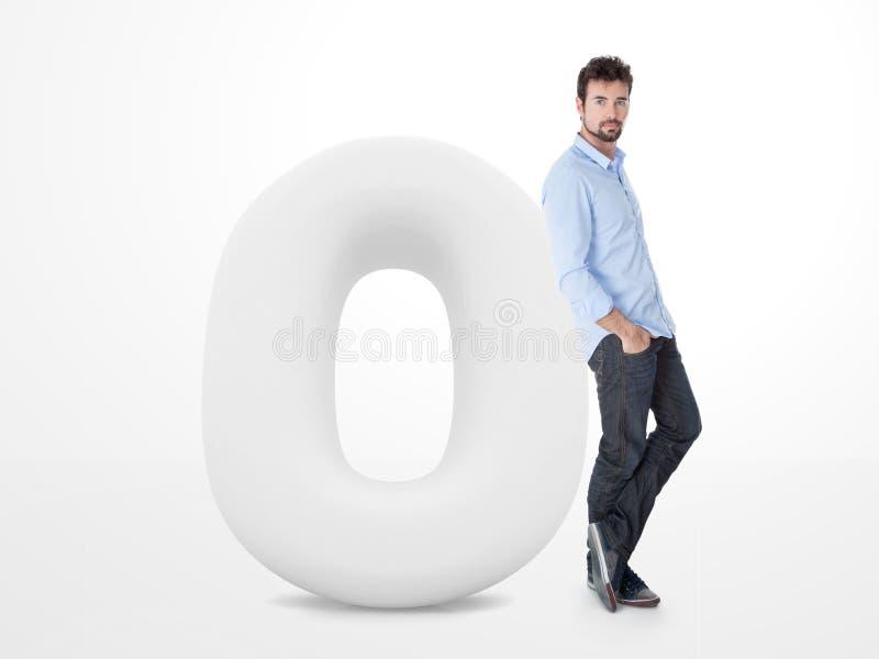 Junger Mann indossiert auf einem großen Weiß null stock abbildung
