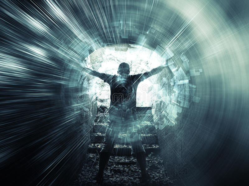 Junger Mann steht im dunkelblauen Tunnel, digitale Collage lizenzfreie abbildung