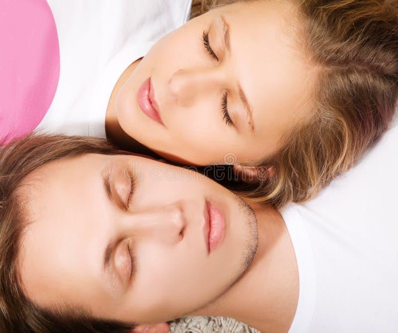 Junger Mann und Frau der Schönheit in einem Traum stockfotos