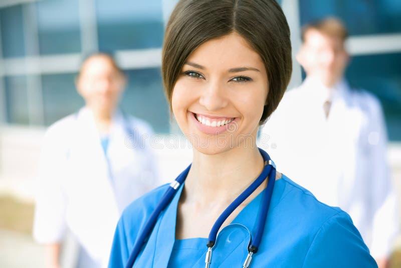 Junger weiblicher Doktor stockbild