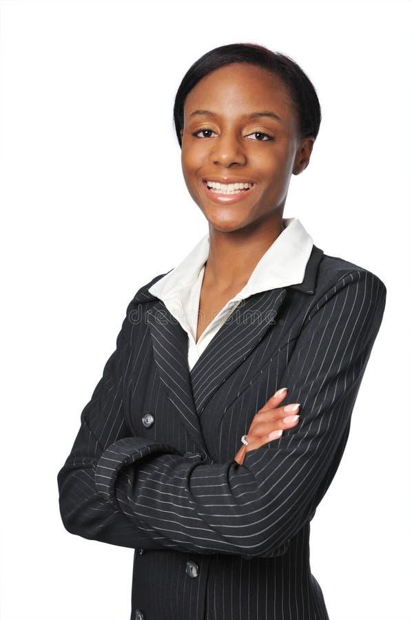 Junges Afroamerikaner-Geschäftsfraulächeln stockfotos