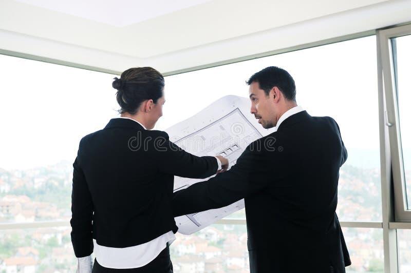 Junges Architektenteam lizenzfreie stockbilder