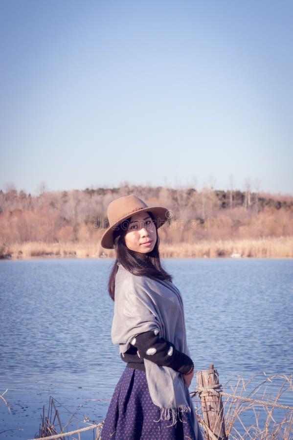 Junges asiatisches Mädchenporträt lizenzfreie stockbilder