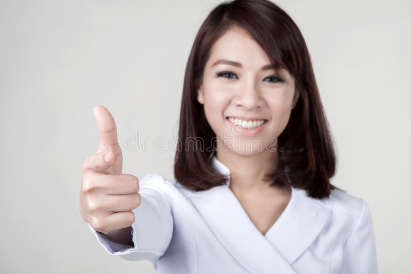 Junges attraktives Krankenschwestermädchen lizenzfreie stockfotografie