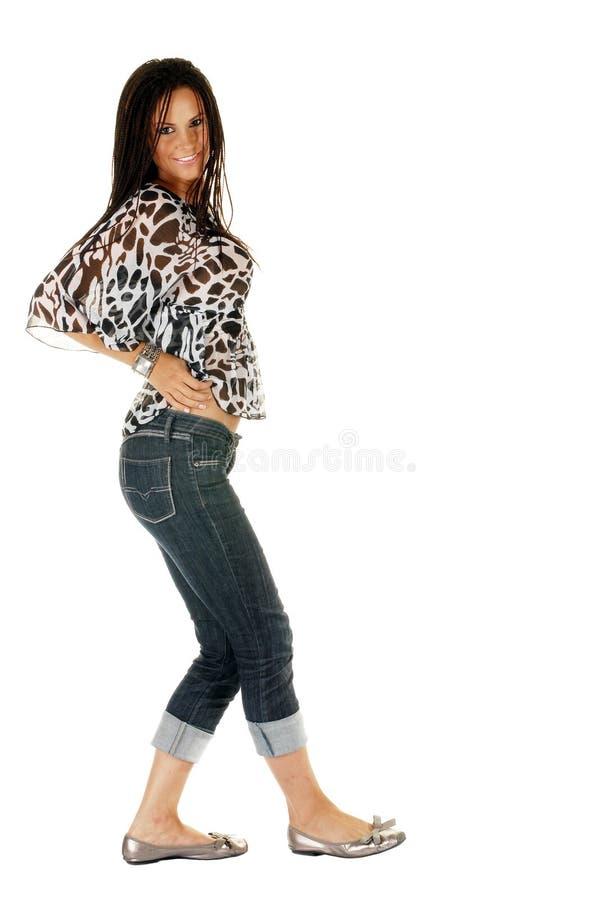 Junges attraktives weibliches Baumuster lizenzfreie stockfotografie