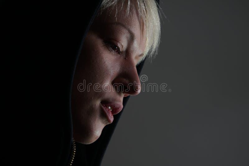 Junges blondes Mädchen emotionales portrai stockfotos