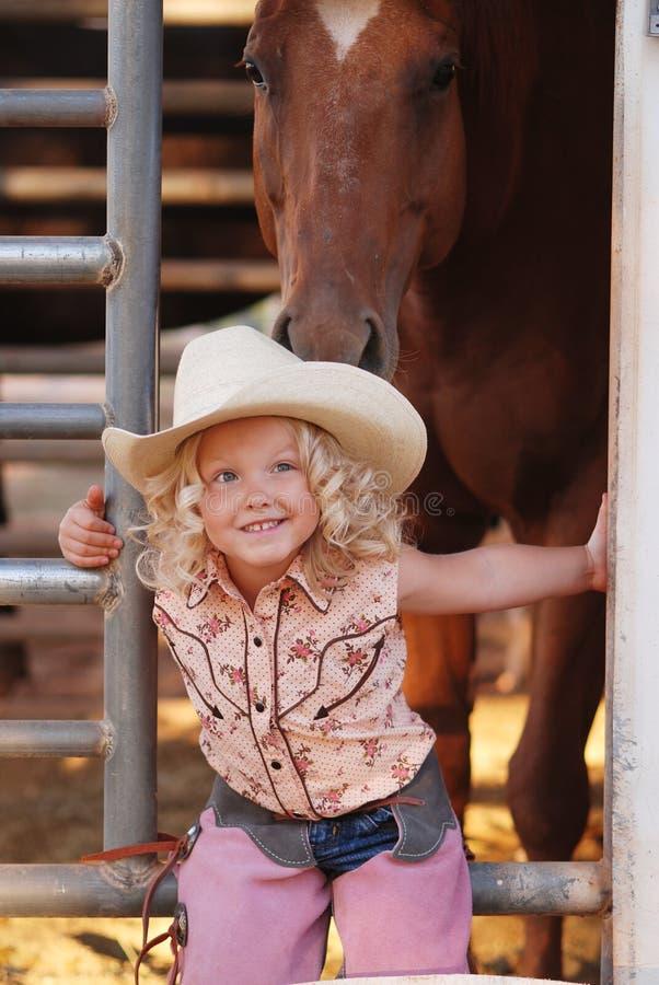 Junges Cowgirl. lizenzfreie stockfotos