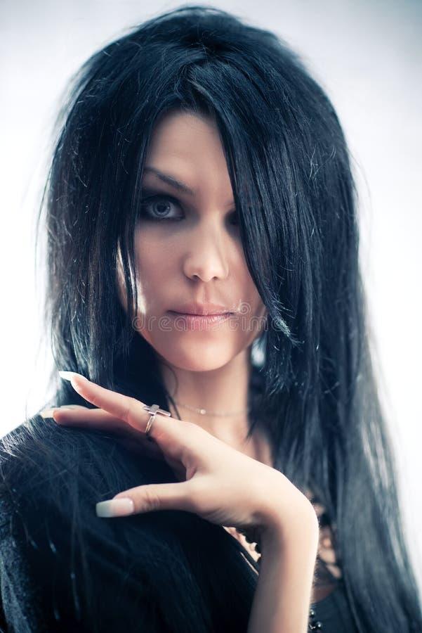 Junges goth Frauenportrait stockfoto