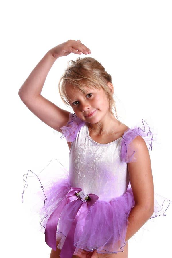 Junges Mädchen-Ballerina lizenzfreie stockfotos