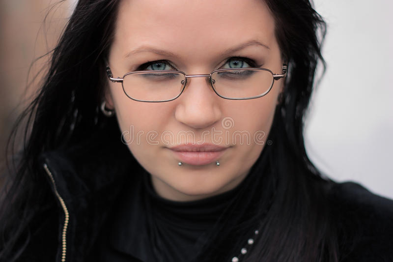 Junges Mädchen, gotische Nebenkultur lizenzfreies stockbild