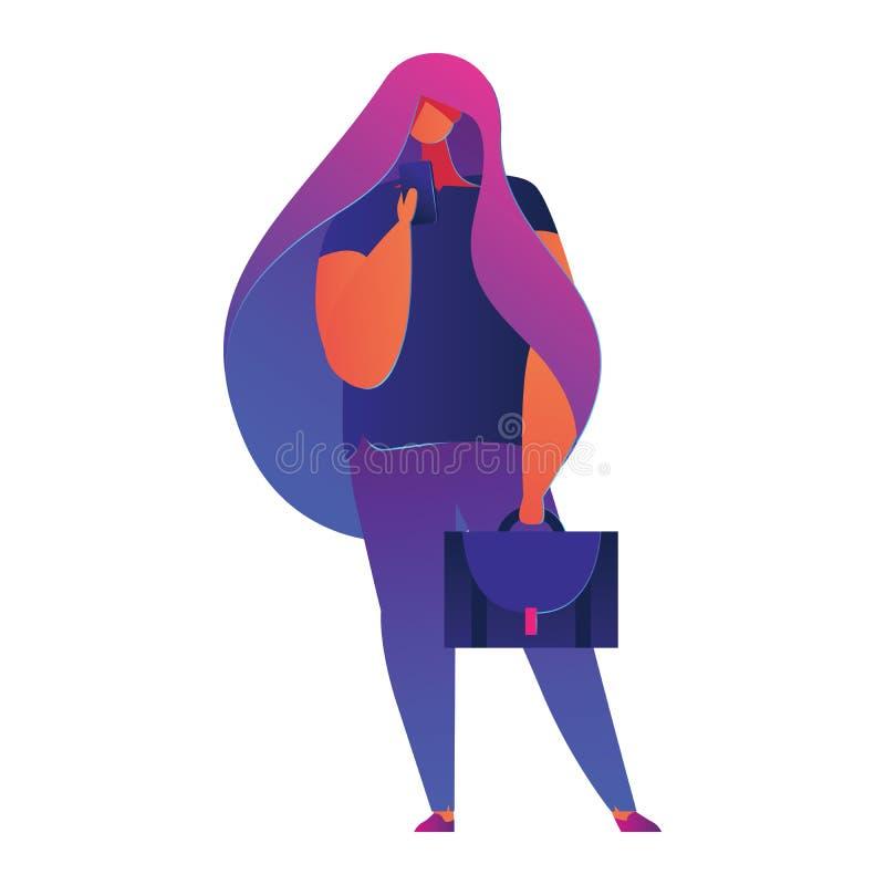 Junges Mädchen mit der Geschäftstasche, die ihren Handy hält und an ihm aufpasst Schöne weibliche Figur in der klaren Steigungsfä stock abbildung