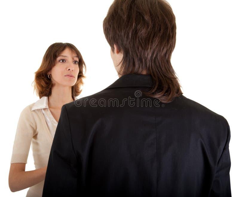 Junges Mädchen und junger Mann in einer schwarzen Klage stockfotografie