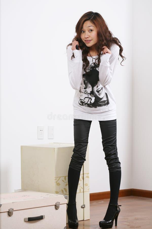 Junges schönes Asien-Mädchen stockfoto