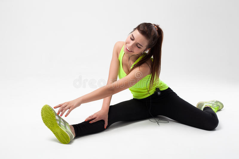 Junges schönes Sportmädchen lizenzfreies stockbild
