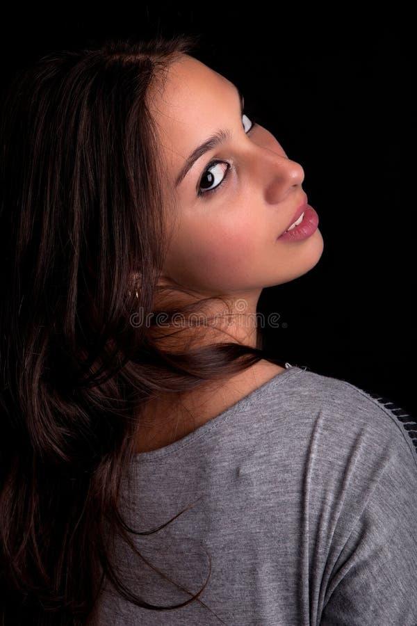 Junges und schönes Frauenportrait stockfoto