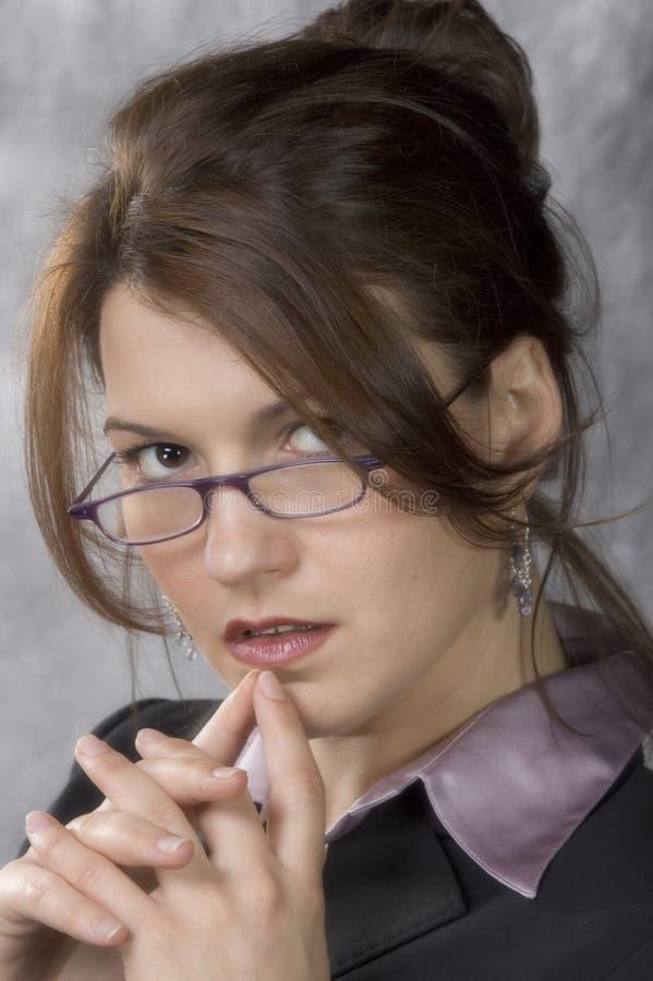 Junges weibliches Leitprogramm lizenzfreie stockfotografie