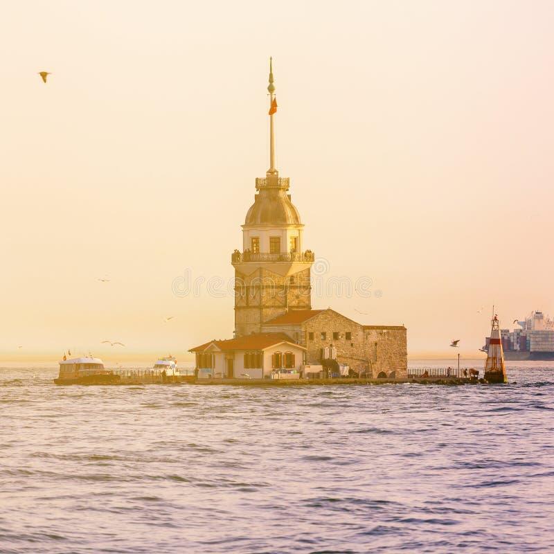 Jungfru- torn för ` s på solnedgången i Istanbul Lopp Turkiet arkivfoto
