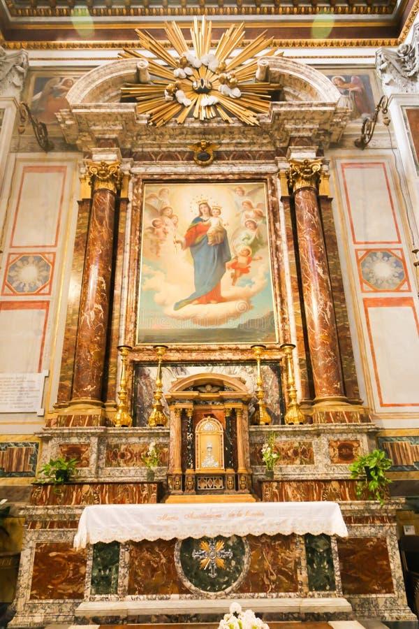 Jungfruliga Mary målning inom basilika av helgonet Mary Major arkivfoton