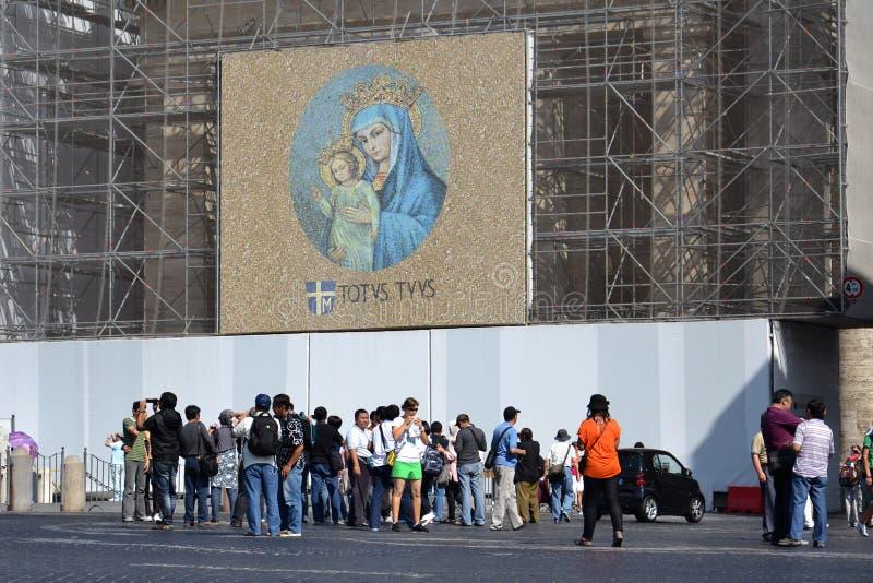 Download Jungfruliga Mary Med Totalt Din Jesus Kristusâ Redaktionell Bild - Bild av europa, kugge: 27276481